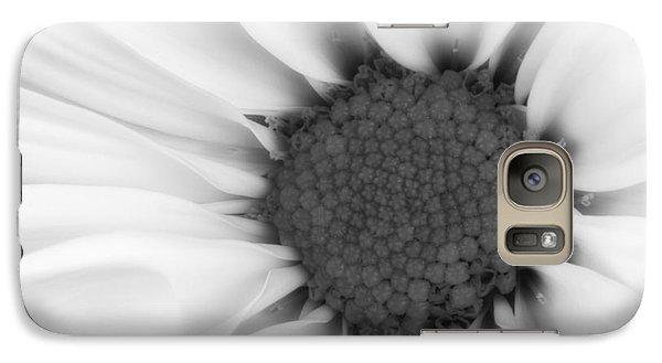 Daisy Galaxy S7 Case - Daisy Flower Macro by Tom Mc Nemar