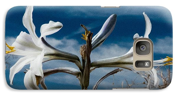 Galaxy Case featuring the photograph Desert Lilly Close Up by Jeremy McKay