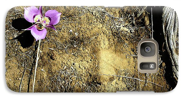 Galaxy Case featuring the photograph Earth Memories - Desert Flower # 2 by Ed Hall