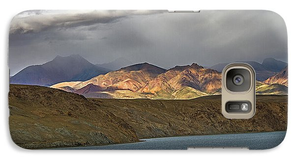 Galaxy S7 Case featuring the photograph Evening Light 1, Chiu, 2011 by Hitendra SINKAR