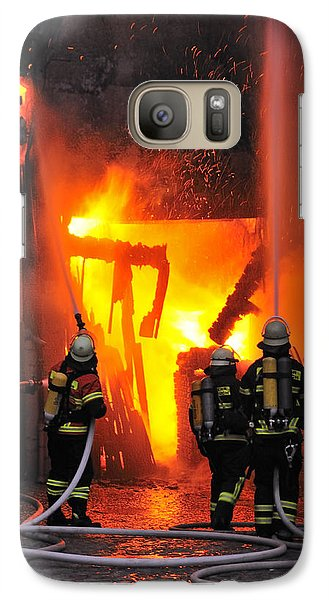 Fire - Burning House - Firefighters Galaxy S7 Case by Matthias Hauser