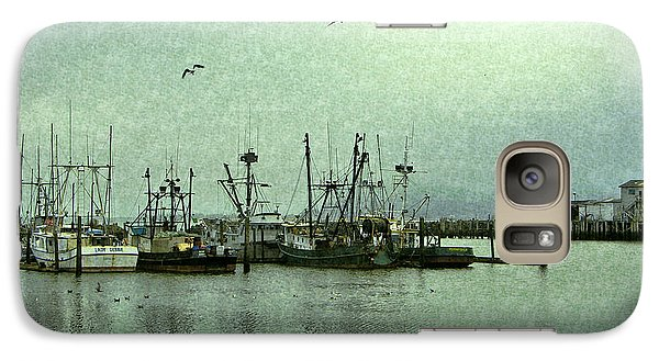 Galaxy Case featuring the photograph Fishing Boats Columbia River by Susan Parish