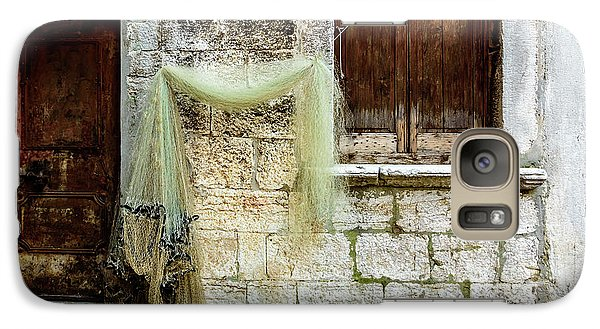 Fishing Net Hanging In The Streets Of Rovinj, Croatia Galaxy S7 Case