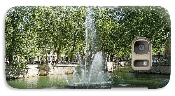 Galaxy Case featuring the photograph Fontaine De Nimes by Scott Carruthers