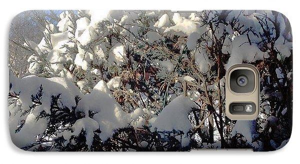 Galaxy Case featuring the photograph Fresc Snow by Vicky Tarcau