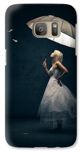 Girl With Umbrella And Falling Feathers Galaxy S7 Case