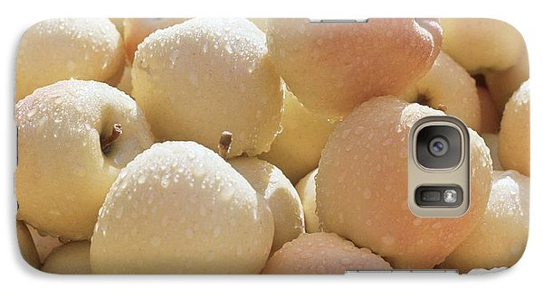 Galaxy Case featuring the photograph Golden Delicious by Laurie Stewart