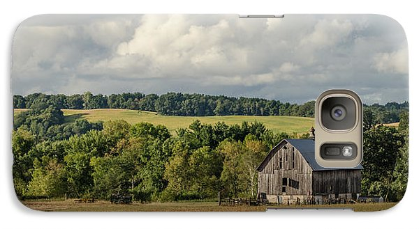 Galaxy Case featuring the photograph Grey Barn by Dan Traun