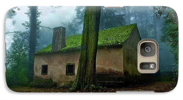 Galaxy Case featuring the photograph Haunted House by Jorge Maia