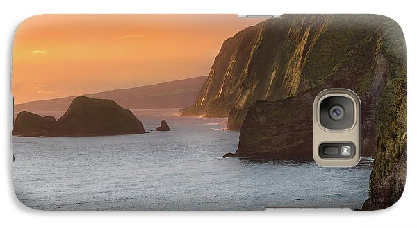 Helicopter Galaxy S7 Case - Hawaii Sunrise At The Pololu Valley Lookout 2 by Larry Marshall