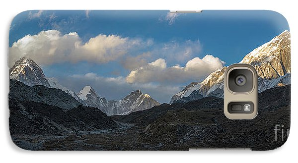 Galaxy Case featuring the photograph Heading To Everest Base Camp by Mike Reid