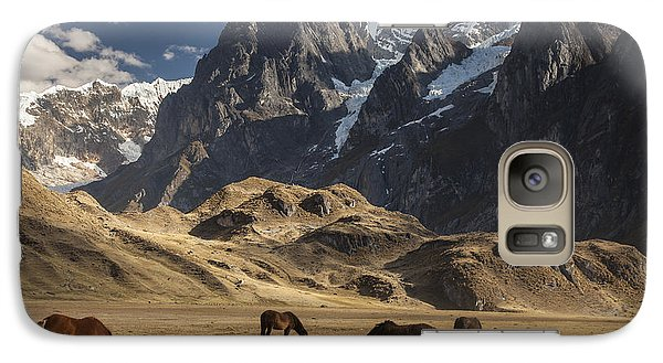 Mountain Galaxy S7 Case - Horses Grazing Under Siula Grande by Colin Monteath