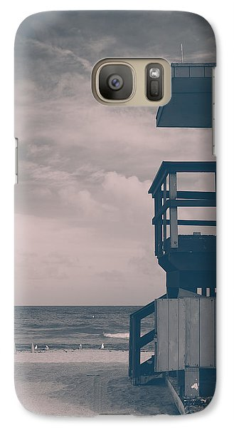 Galaxy Case featuring the photograph I Was Checkin' On The Surfin' Scene by Yvette Van Teeffelen