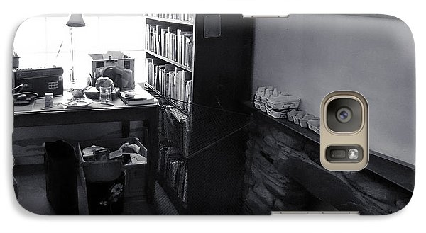 Galaxy Case featuring the photograph In From The Cold by Keith Elliott