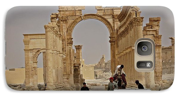 Galaxy Case featuring the photograph In Old Palmyra by Cendrine Marrouat