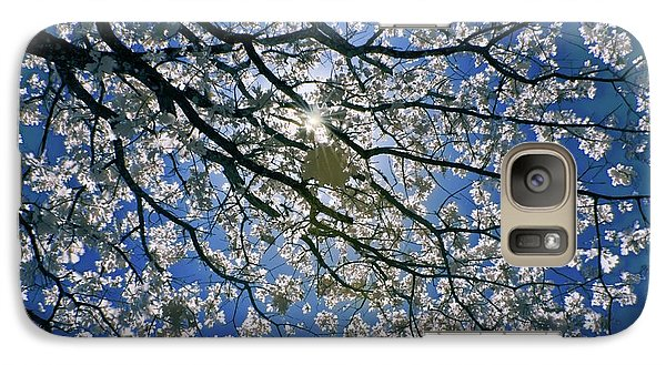 Galaxy Case featuring the photograph Into The Sun by Linda Unger