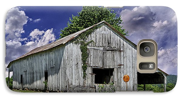 Galaxy Case featuring the photograph Kentucky Barn by Wendell Thompson