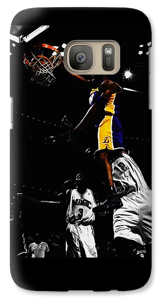 Magic Johnson Galaxy S7 Case - Kobe Bryant On Top Of Dwight Howard by Brian Reaves
