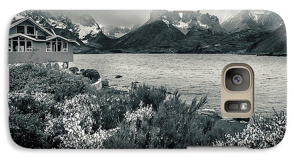 Galaxy Case featuring the photograph Lake Pehoe In Black And White by Andrew Matwijec