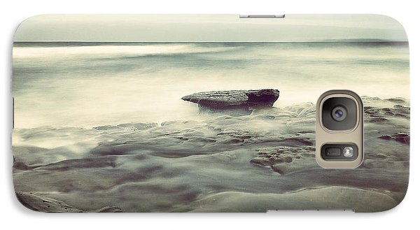 Galaxy Case featuring the photograph LE1 by Alexander Kunz