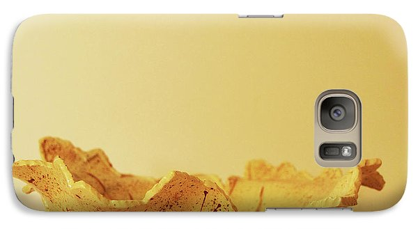 Galaxy Case featuring the photograph Leaf Plate2 by Itzhak Richter