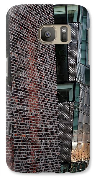 Leaning In At The High Line Galaxy S7 Case by Rona Black