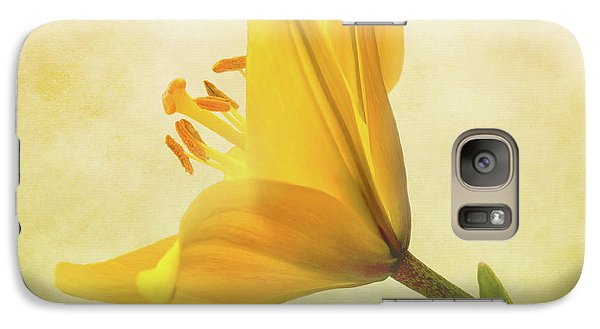 Galaxy Case featuring the photograph Lemon Lily by Roy McPeak