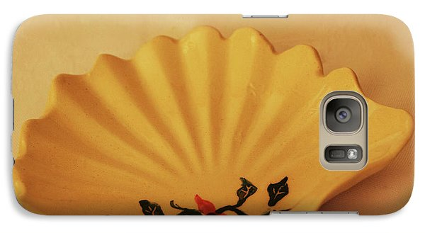 Galaxy Case featuring the photograph Little Shell Plate by Itzhak Richter