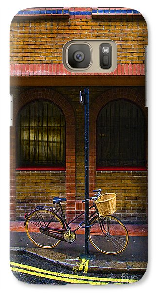 Galaxy Case featuring the photograph London Bicycle by Craig J Satterlee