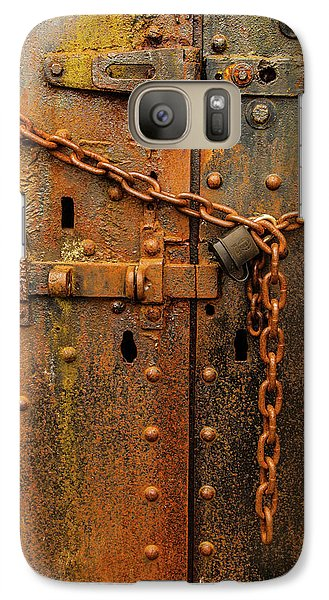 Long Locked Iron Door Galaxy S7 Case