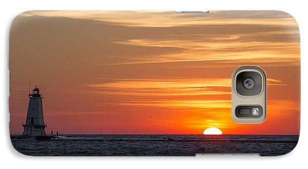 Marquette Galaxy S7 Case - Ludington North Breakwater Light At Sunset by Adam Romanowicz