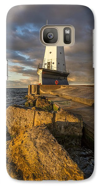 Marquette Galaxy S7 Case - Ludington North Breakwater Lighthouse At Sunrise by Adam Romanowicz