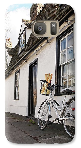 Galaxy Case featuring the photograph Lunch French Style By Bicycle In Cambridge by Gill Billington