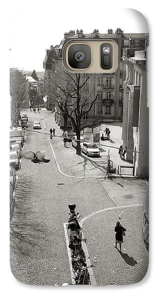 Galaxy Case featuring the photograph Lunch Hour by Colleen Williams