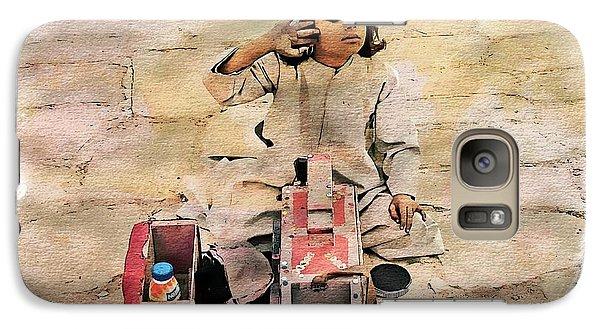 Galaxy Case featuring the photograph Luxor Shoeshine Girl by Joseph Hendrix