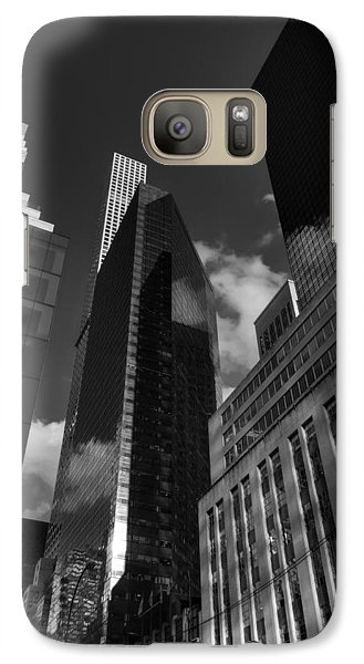 Galaxy Case featuring the photograph Manhattan - 5th Ave. 001 Bw by Lance Vaughn