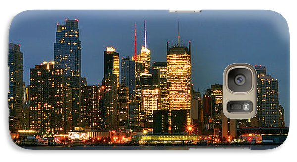 Galaxy Case featuring the photograph Midtown Manhattan by Zawhaus Photography