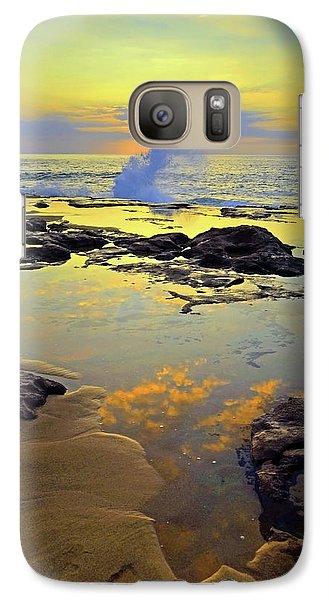 Galaxy Case featuring the photograph Mololkai Splash by Tara Turner