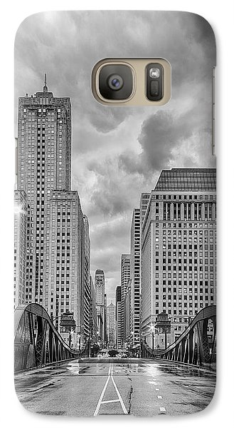 Monochrome Image Of The Marshall Suloway And Lasalle Street Canyon Over Chicago River - Illinois Galaxy S7 Case by Silvio Ligutti