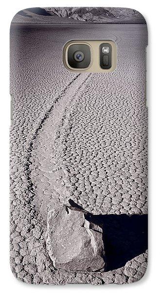 Desert Galaxy S7 Case - Moving Rocks Number 2  Death Valley Bw by Steve Gadomski