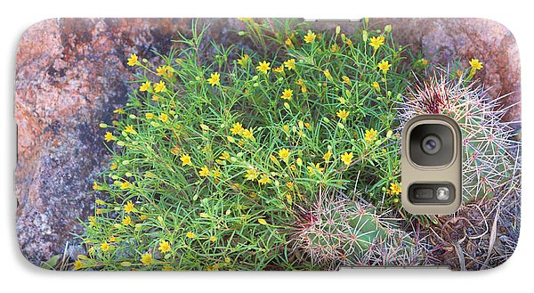Galaxy Case featuring the photograph Nevada Yellow Wildflower by Linda Phelps