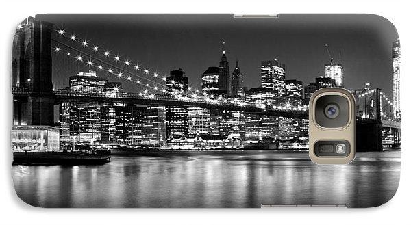 Night Skyline Manhattan Brooklyn Bridge Bw Galaxy S7 Case by Melanie Viola