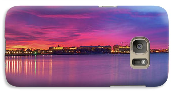 Galaxy Case featuring the photograph Night Unto Day by Edward Kreis