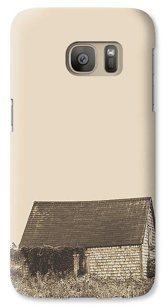 Old Shingled Farm Shack Galaxy S7 Case by Edward Fielding