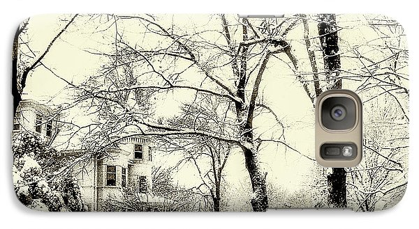 Galaxy Case featuring the photograph Old Victorian In Winter by Julie Palencia