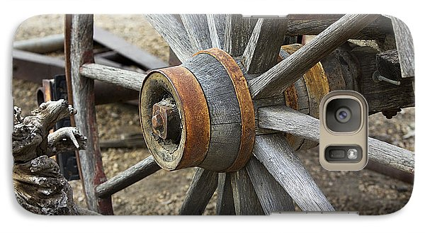 Galaxy Case featuring the photograph Old Waagon Wheel by Phyllis Denton