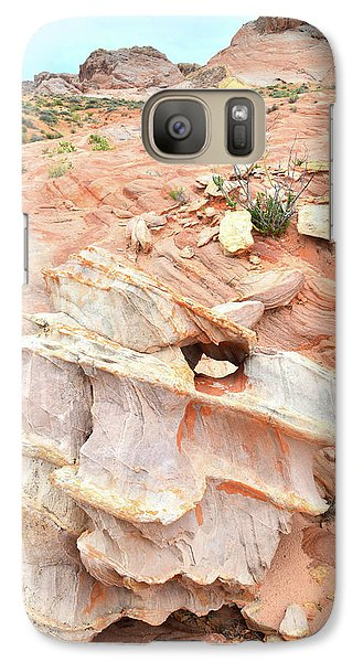 Galaxy Case featuring the photograph Ornate Rock In Wash 4 Of Valley Of Fire by Ray Mathis