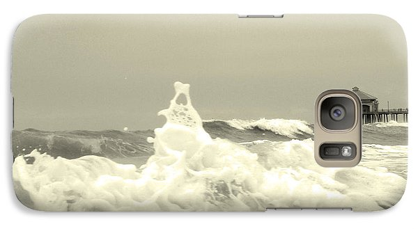 Galaxy Case featuring the photograph Pacific Love by Suzette Kallen