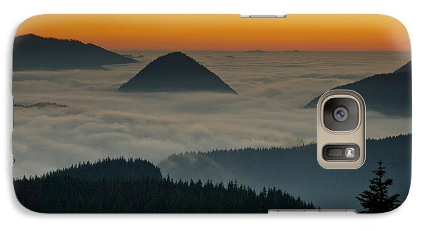 Galaxy Case featuring the photograph Peaks Above The Fog At Sunset by Jeff Goulden