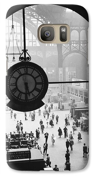 Train Galaxy S7 Case - Penn Station Clock by Van D Bucher and Photo Researchers